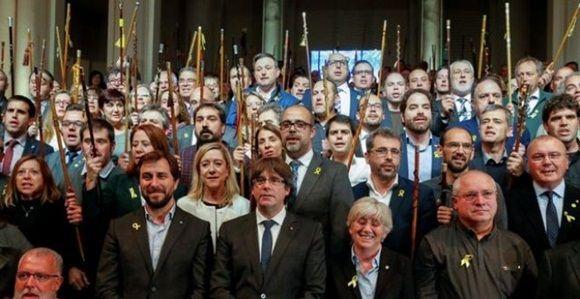 Puigdemont reaparece en Bruselas en un acto con 200 alcalde independentista catalanes. Foto: REUTERS.