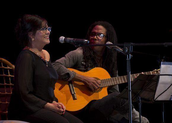 Concierto de Raúl Torres, invitada Ivette Cepeda, en el Teatro Mella. Foto: Ismael Francisco/ Cubadebate.