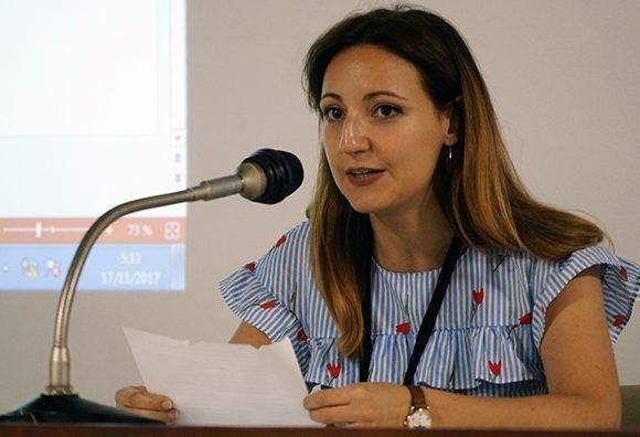 Sara García durante un panel en ICOM-2017. Foto: Leysi Reubio/ Cubadebate.