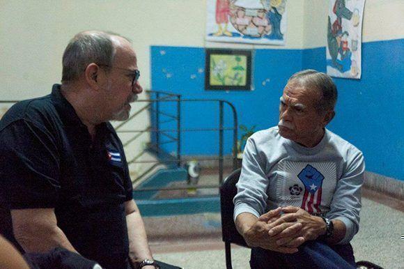 Silvio Rodríguez junto al puertorriqueño Oscar López. Foto: Iván Soca