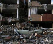 Destrozos causados en un edificio tras el terremoto en Sarpol-e Zahab (Irán). Foto: AP.
