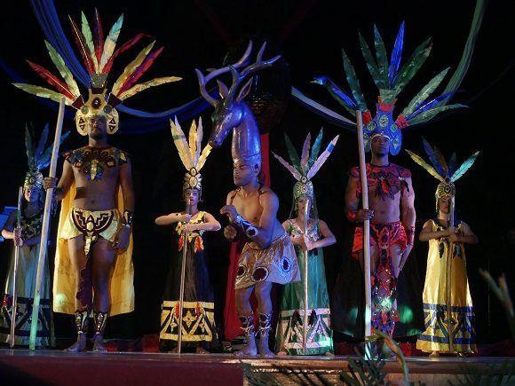 Colorido en la celebración previa a este 30 de noviembre (Foto: Malú Vilasa)