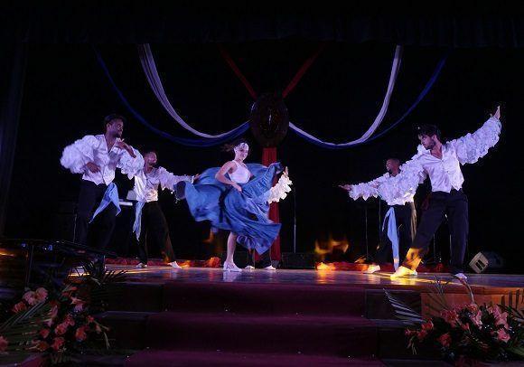 El Conjunto Danzario 5 de Diciembre regaló fuerza y carisma en cada una de sus interpretaciones (Foto: Malú Vilasa)