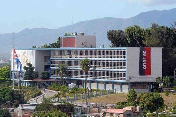 La Universidad de Oriente.