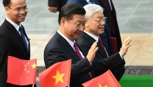 El presidente de China, Xi Jinping, en su segunda visita oficial a Vietman. Foto: AP.