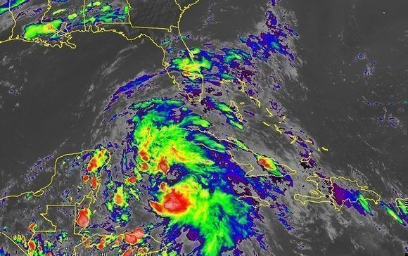 Nublados sobre la región occidental debido, fundamentalmente, a la presencia de una vaguada sobre el Caribe. Imagen del satélite GOES-16, 18 de junio.