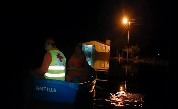 Se produjo una inundación súbita a finales de mes en el poblado de Velasco, municipio de Gibara, en Holguín. Imagen: Gibaravisión.