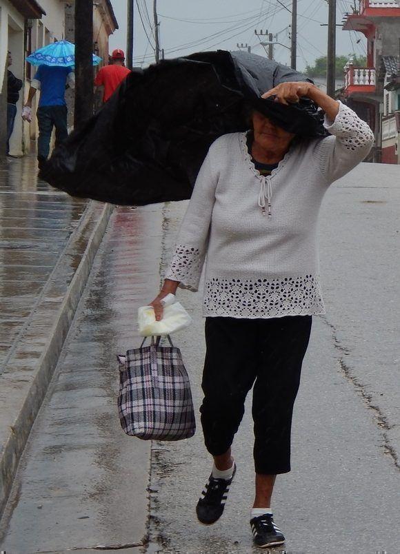 Lloviznaba a intervalos en la mañana. Gibara, Holguín, Cuba. Foto: Danier Ernesto González, 11 de diciembre.