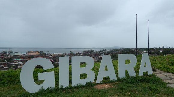 """Debido a los nublados y las lluvias no se apreciaba bien la elevación """"Silla de Gibara"""" desde el Mirador. Gibara, Holguín, Cuba. Foto: Danier Ernesto González, 11 de diciembre."""