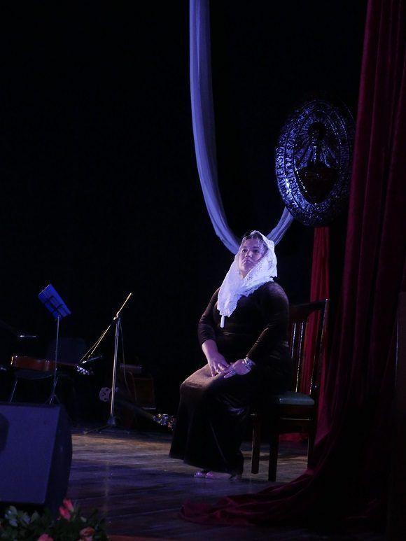 El homenaje a Marta Abreu se mantuvo durante las más de dos horas del claustro solemne (Foto: Malú Vilasa)