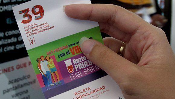 Con la boleta de la popularidad, el público tuvo la oportunidad de elegir la película de su preferencia. Foto: Cinthya García Casañas/ Cubadebate.
