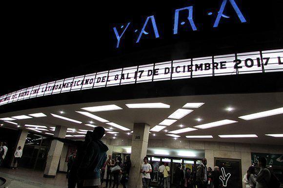 Los cines de la capital habanera permanecieron abiertos hasta la medianoche, con tandas de filmes que empezaban desde las 10 de la mañana. Foto: Cinthya García Casañas/ Cubadebate.