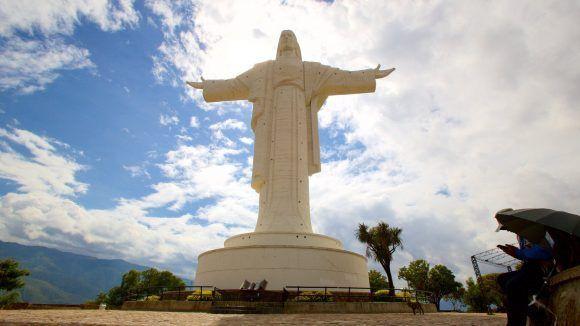 Cristo de Cochabamba. Foto tomada de Expedia.