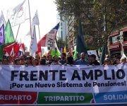 Lucha por el fin de los fondos privados de pensiones, de primordial significado en las elecciones. Foto: DR.