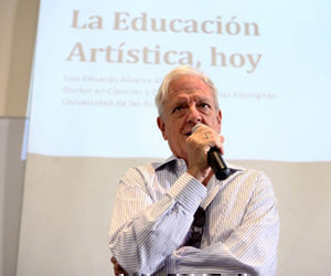 Otorgan Premio Nacional de Literatura a distinguido pedagogo, escritor e intelectual camagüeyano Luis Álvarez Álvarez. Foto: Cubasí