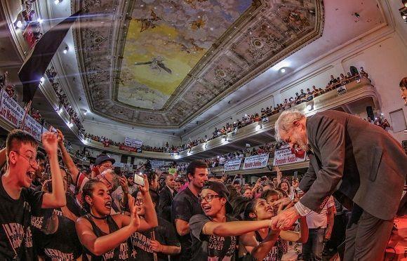 Lula da Silva se encuentra según un sondeo, entre los candidatos favoritos para las elecciones presidenciales en Brasil. Foto: Ricardo Stuckert/Twitter