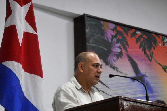 El Ministro de Salud de Cuba, Dr. Roberto Morales Ojeda, interviene en el acto con motivo del aniversario 59 del Triunfo de la Revolución, efectuado en la sede del Ministerio, en La Habana, el 28 de diciembre de 2017.   ACN FOTO/Oriol de la Cruz ATENCIO HERNÁNDEZ/ogm