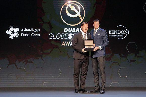 La carrera de Francesco Totti fue reconocida con un galardón. Foto: AFP.