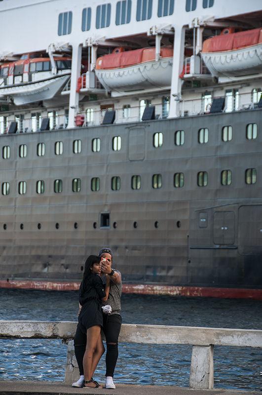 Cruceros, para la cámara. Foto: L Eduardo Domínguez/ Cubadebate.