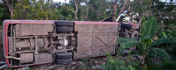 El accidente ocurrió en Yaguajay a las 3 y 30 de la madrugada de este lunes. Foto: Luis Francisco Jacomino/ Escambray.