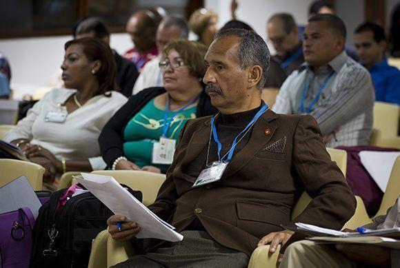 En la sesión se presentó un informe que resumía los resultados del control efectuado en las provincias del país.Foto: Irene Pérez/ Cubadebate.