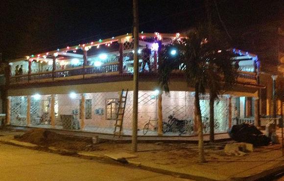 El ciudadano cubano-estadounidense financió la construcción completa de esta casa en Zaza del Medio y su paladar, ubicado en el segundo nivel. Foto: TripAdvisor
