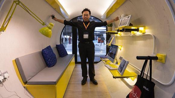 Jonathan Kong, el creador de las casas-tubería. Foto: Jerome Favre/ EFE.