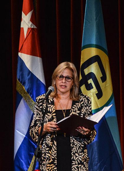 Intervención de Ana Teresita González Fraga, viceministra de Relaciones Exteriores, durante la Gala por el  aniversario 45 del establecimiento de las relaciones de Cuba-CARICOM, en el Teatro Martí, en La Habana, el 6 de diciembre de 2017. ACN FOTO/Marcelino VAZQUEZ HERNANDEZ
