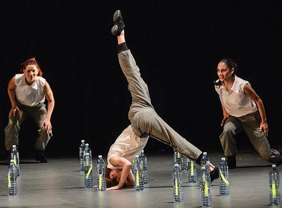Actuación de la compañía Acosta Danza, durante la Gala por el  aniversario 45 del establecimiento de las relaciones de Cuba-CARICOM, en el Teatro Martí, en La Habana, el 6 de diciembre de 2017. ACN FOTO/Marcelino VAZQUEZ HERNANDEZ