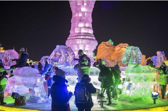 La edición de este año presentará dos mil esculturas de hielo. Foto: Fred Dufour/Getty Images