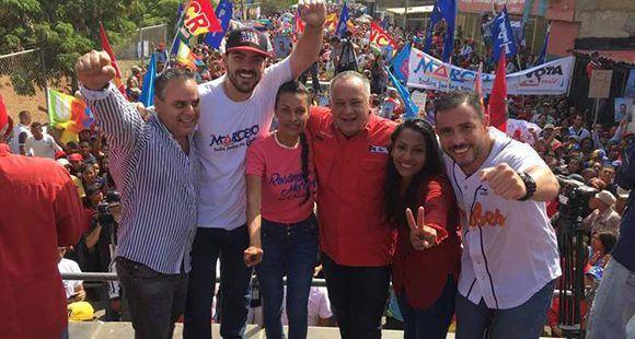 Durante el acto de cierre de campaña de candidatos del Psuv por el estado Anzoátegui, Cabello se refirió a la importancia de participar en estos comicios para elegir 335 alcaldes y al gobernador del estado Zulia. Foto: AVN.