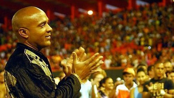 Destacado pelotero llama a no dejar morir al beisbol en Cuba