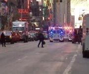 El área alrededor de la Terminal de Autobuses de la Autoridad Portuaria está libre de pasajeros tras los informes de una explosión ocurrida el 11 de diciembre de 2017 en Nueva York. Foto: NBC.