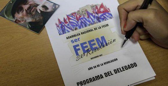 Trabajo en comisiones de la Asamblea Nacional de la Federación Estudiantes de la Enseñanza Media (FEEM). Foto: Abel Padrón / ACN
