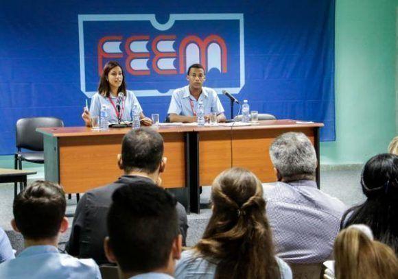 Debates en la comisión de Trabajo Político-Ideológico, en la Asamblea Nacional de la FEEM. Foto: Abel Padrón / ACN