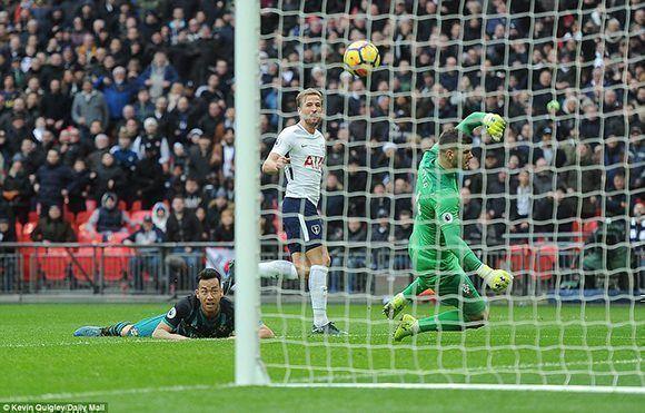 kane consiguió tres goles en un partido de la Premier League ante el Southampton. Foto: Daily Mail.