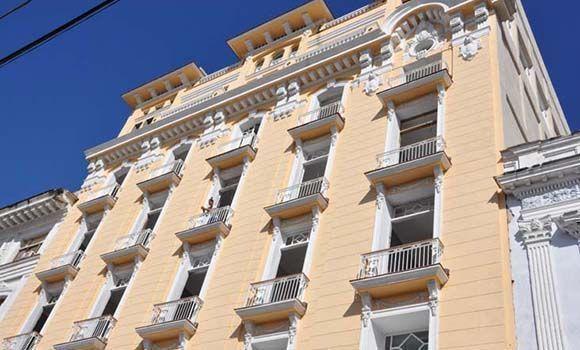 Hotel San Carlos, en la ciudad de Cienfuegos, iniciará sus prestaciones en enero de 2018. Foto: Efraín Cedeño/ 5 de septiembre.