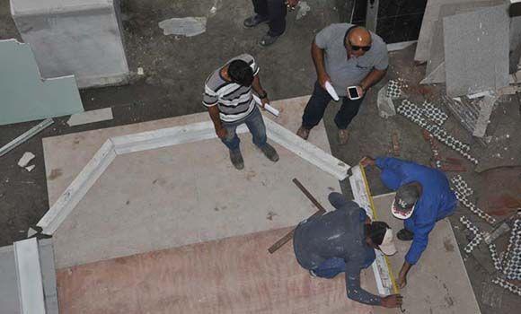 El hotel San Carlos de Cienfuegos en construcción. Foto: Efraín Cedeño/ 5 de septiembre.