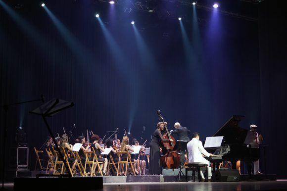 La inauguración del 39 Festival Internacional del Nuevo Cine Latinoamericano contó con la presencia de la Camerata Romeu y el pianista cubano Alejandro Falcón. Foto: Leysi Rubio/ Cubadebate