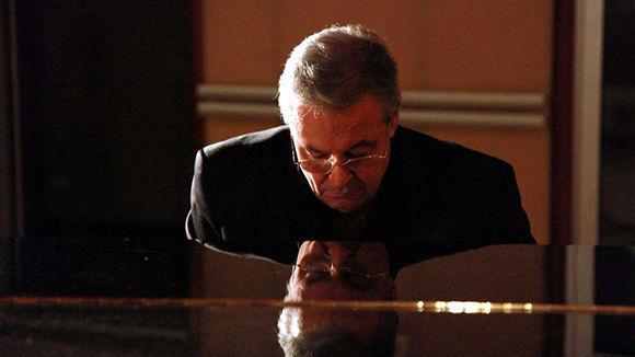 """José María Vitier, autor del tema """"Desde la aldea"""", que desde 1990 represnta al Festival Internacional del Nuevo Cine Latinoamericano. Foto: habanafilfestival.com"""