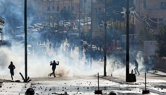 En la Franja de Gaza, el líder de Hamas, Ismail Haniyeh, llamó a una nueva intifada, o alzamiento contra Israel. Foto: Reuters.