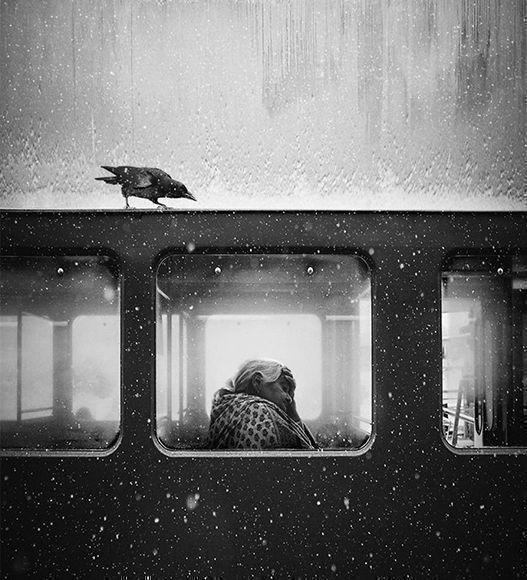 """En la categoría """"Monocromo"""", Jack Savage ha sido el vencedor gracias a su fotografía """"Crow of Lviv"""", una pieza gótica inspirada en la arquitectura de la ciudad de Lviv (Leópolis, Ucrania)."""