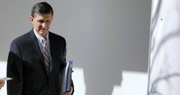 Michael Flynn antes de ser destituido de su cargo en la Casa Blanca. Foto: Jim Bourg/ Reuters.
