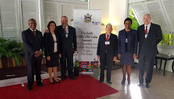 Ministros cubanos asisten a VI Cumbre CARICOM-Cuba que se celebra en Antigua y Barbuda. Foto: @EmbacubaAntigua