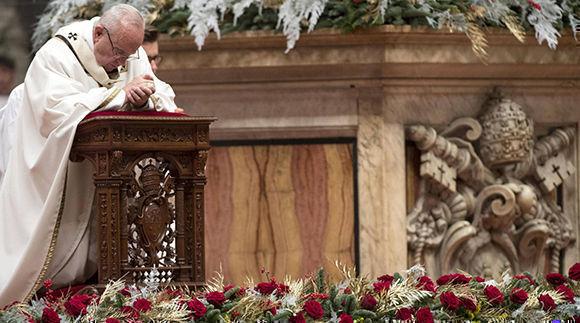 El papa Francisco durante la Misa del Gallo. Foto: EFE.