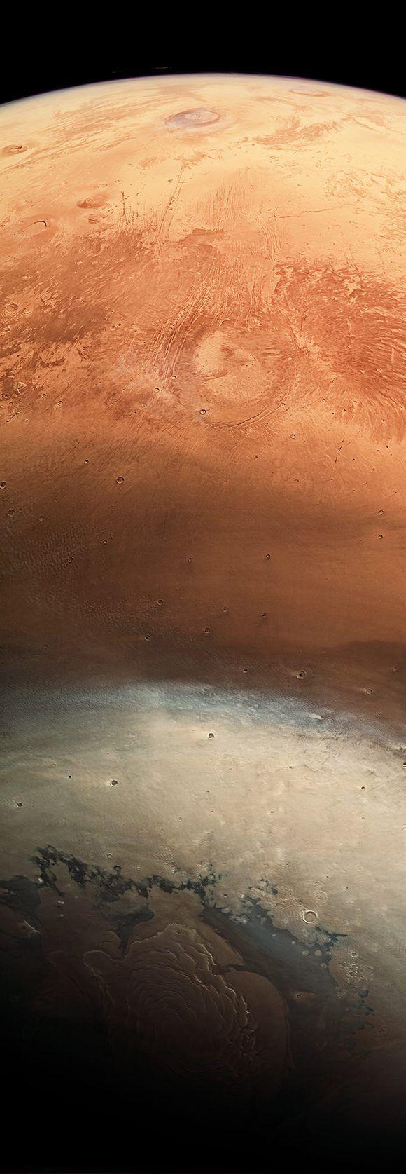 Esta imagen muestra los casquetes congelados en el polo Norte de Marte y ha cambiado la manera en que observábamos al planeta rojo. Foto: NASA.