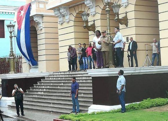 El presidente cubano Raúl Castro Ruz visitó la sede de la Asamblea Provincial del Poder Popular. Foto: Miguel Noa Menéndez/Facebook
