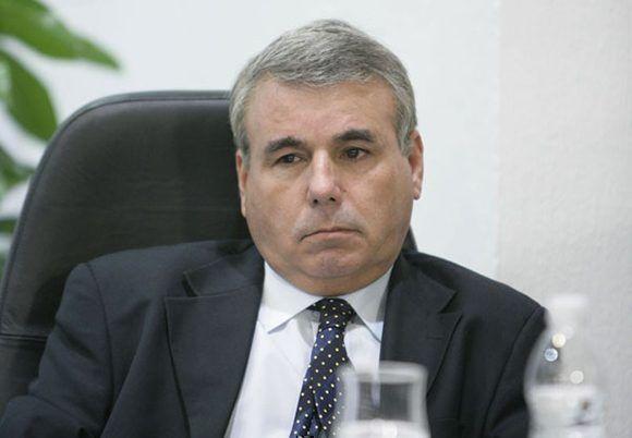 El profesor, ensayista e investigador Sergio Guerra Villaboy.