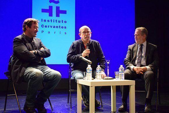 """El filme recoge los dos primeros años del proyecto conocido como """"la gira interminable"""" por los barrios, que comenzó en 2010 y al cabo de siete años ya incluye 87 presentaciones en las zonas más humildes de la capital cubana. Foto: Prensa Latina."""