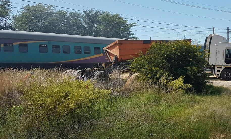 Imágenes del accidente de tren en Sudáfrica. Foto: @PassionForNews/ Twitter